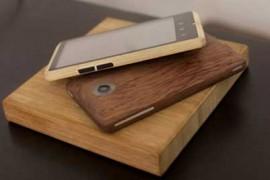 هاتف ذكي بريطاني جديد من خشب البامبو