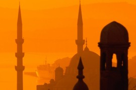 خمسة تطبيقات إسلامية تستحق مكانا على هاتفك