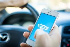 تطبيق Skype  يحصل على مليار تنزيل على الأجهزة المحمولة