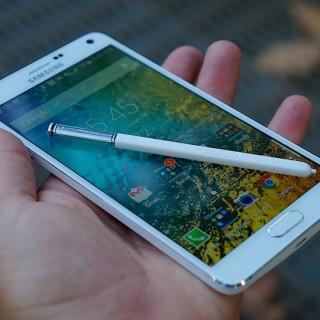 هاتف Galaxy Note 4 يحصل على تحديث جديد يجلب بعض التحسينات في الأداء