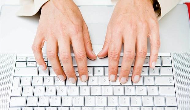 """ما هو سر بروز حرفي """"F"""" و""""J"""" في لوحة المفاتيح؟"""