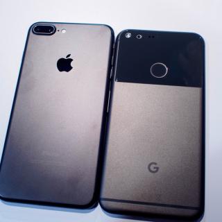 """6 مميزات في هواتف جوجل """"بيكسل"""" لن تجدها في آيفون 7"""