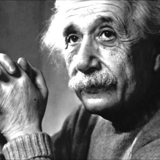 """لمحبي التعلم.. """"chatbot"""" على ماسنجر لمعرفة كل شيء عن آلبرت آينشتين"""